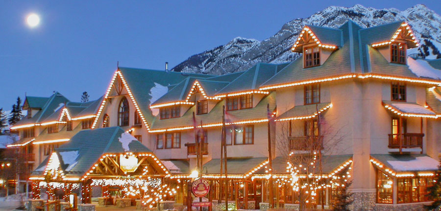 canada_big-3-ski-area_banff_caribou_lodge_exterior_lights.jpg